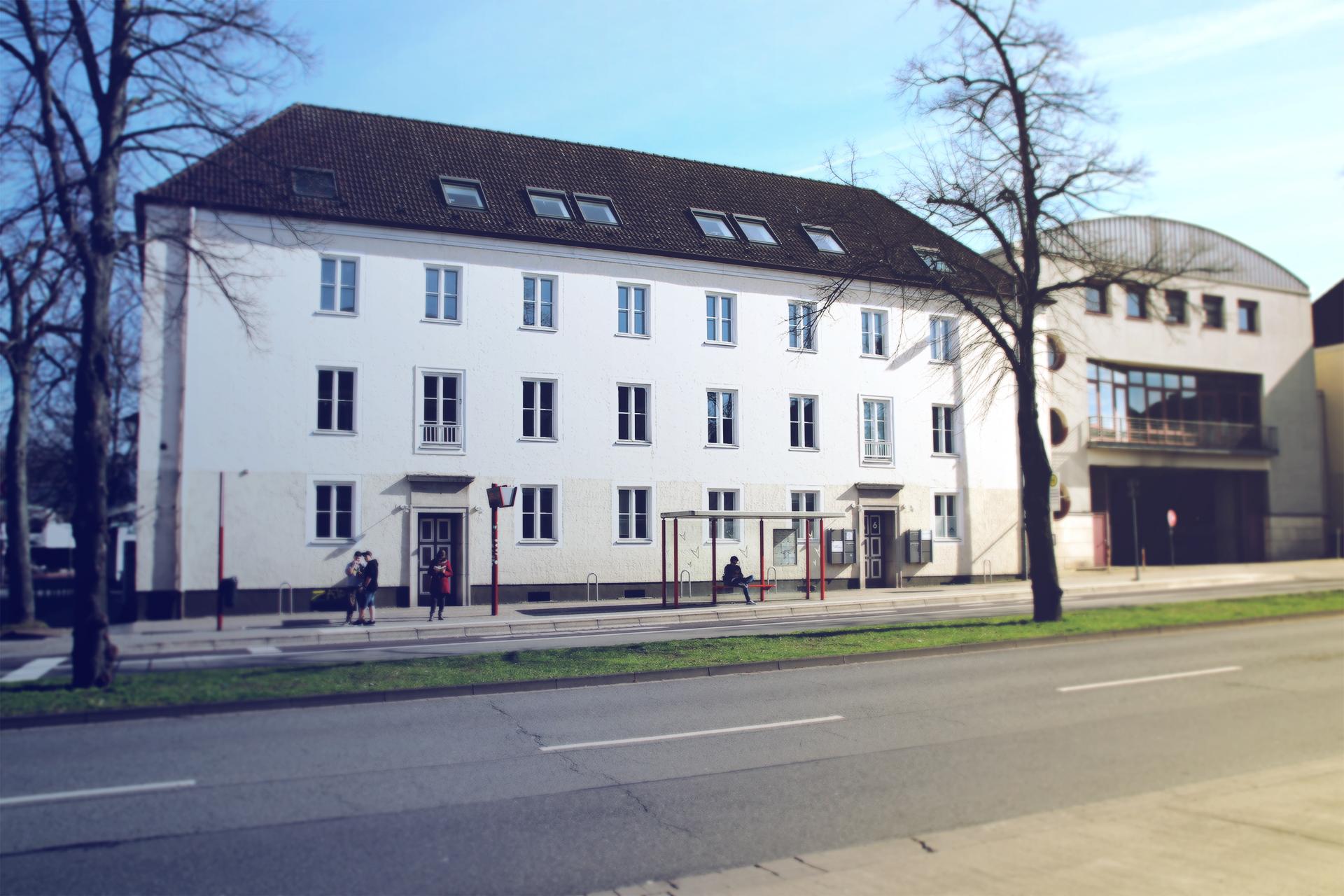 T+B Schillerstraße Gebäude Firma